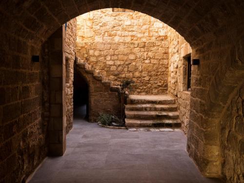 Perikleous 31-39, Old Town, Rhodes, Greece.
