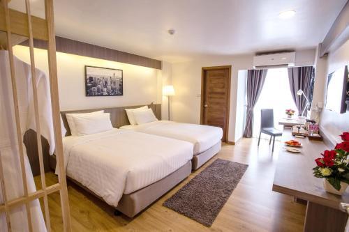 TK Palace Hotel & Convention impression