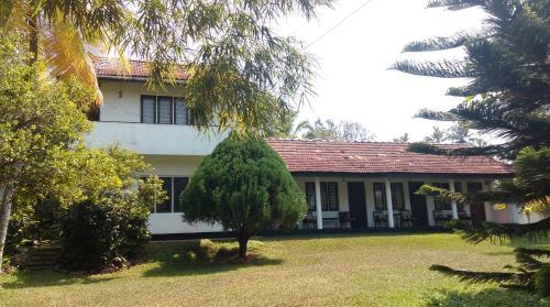 . 4 Seasons Guesthouse
