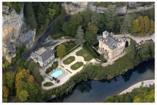 . Chateau De La Caze