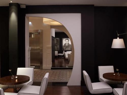 Le Grand Balcon Hotel, 8-10, rue Romiguières, 31000 Toulouse, France.