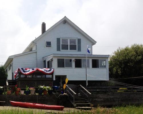 Cedar Cove Cottage Portsmouth Rhode Island