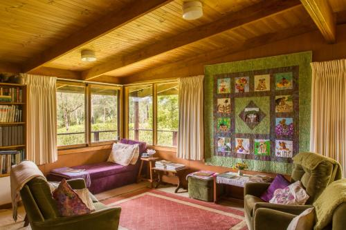 Фото отеля The Burrow at Wombat Bend