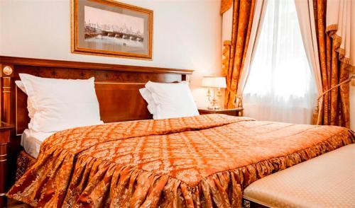 Petroff Palace Boutique Hotel - image 5