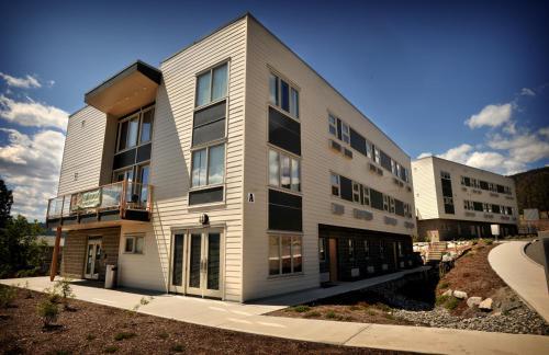 Фото отеля Residence & Conference Centre - Merritt