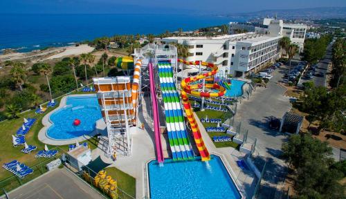 Фото отеля Leonardo Laura Beach & Splash Resort