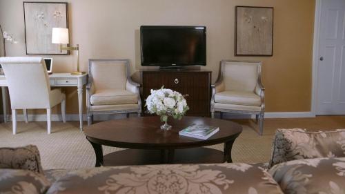 Ethan Allen Hotel - Danbury, CT 06811