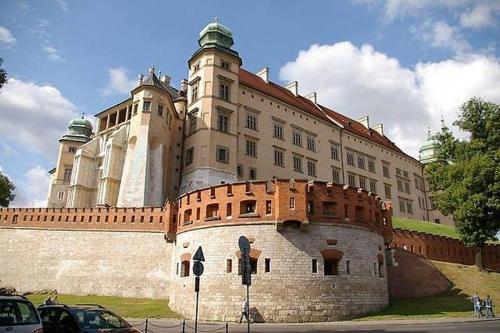 Royal Castle Center