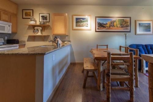 Juniper Springs Lodge # 538 - Mammoth Lakes, CA 93546