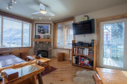 Juniper Springs Lodge # 426 - Mammoth Lakes, CA 93546