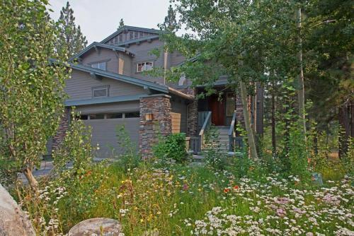Timbers # 1033 - Mammoth Lakes, CA 93546