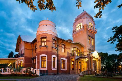 . Luxury Art Nouveau Hotel Villa Ammende