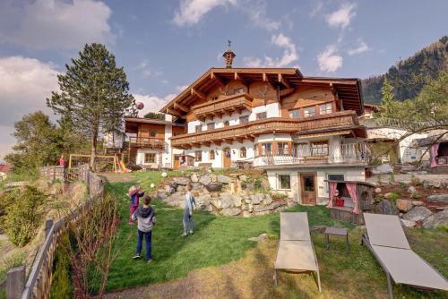 Landhaus Alpenjuwel - Apartment - St Johann im Pongau