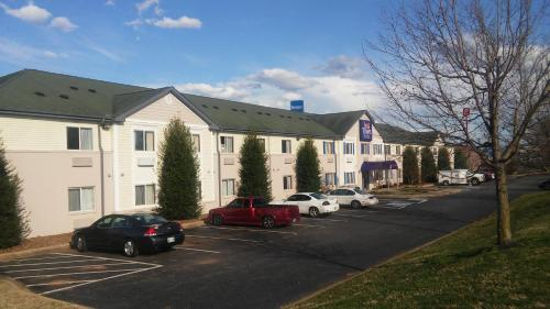. InTown Suites Extended Stay Clarksville