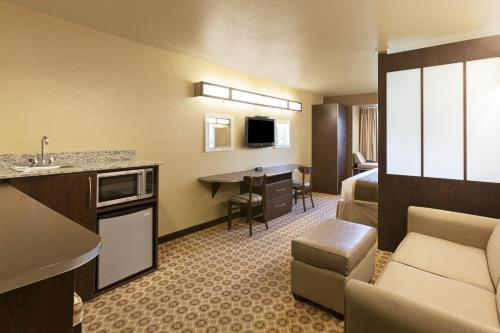 Microtel Inn & Suites By Wyndham Searcy - Searcy, AR 72143