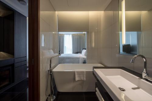 Amara Bangkok Hotel photo 25