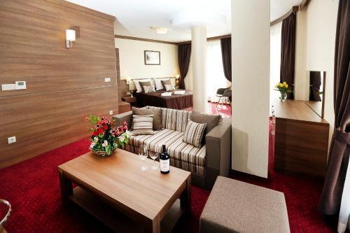 Hotel Coop, Sofia - Photo 8 of 73