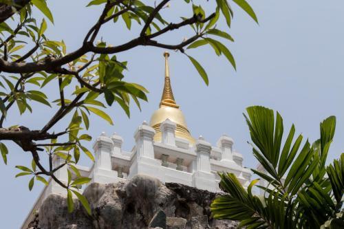 Dilokchan Hostel photo 28