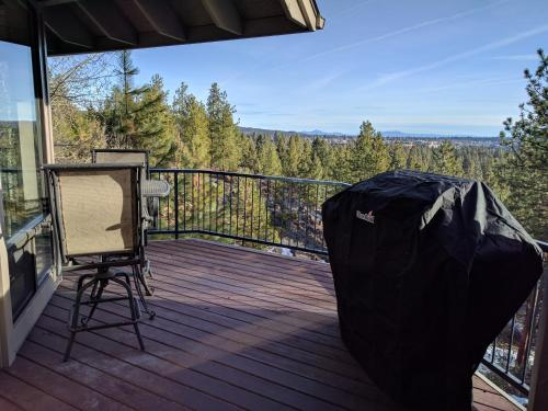 Modern Bend Vacation Condo - Bend, OR 97702