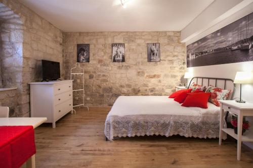 Apartment & Room Ursa, 21220 Trogir