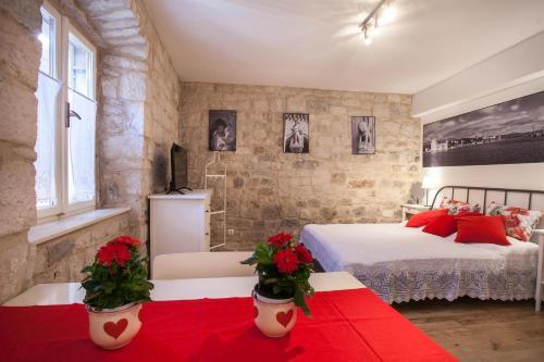 Apartment & Room Ursa, 21220 Trogir