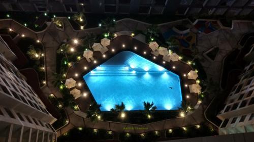 . Luxury 2BR Apartment at Masteri