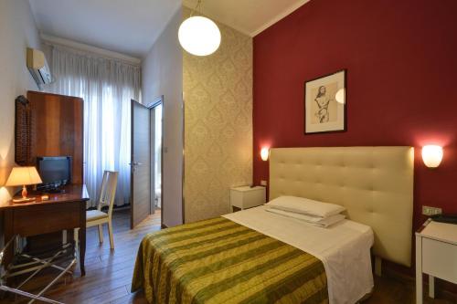 . Hotel Universo
