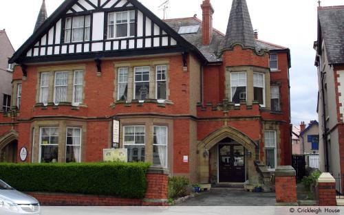 Crickleigh House