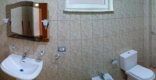 Andi Apartment, Tiranës