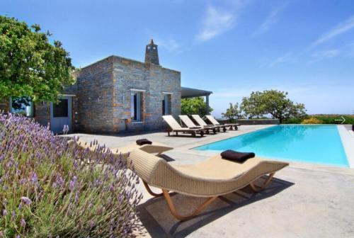 . Villa Drys