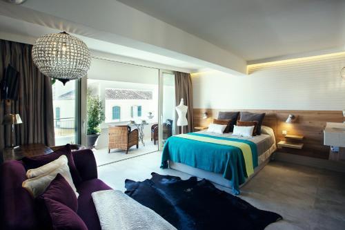 Luxury Cabaret Suite