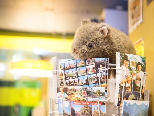 wombat's CITY Hostel - Munich photo 2
