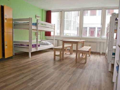 wombat's CITY Hostel - Munich photo 3