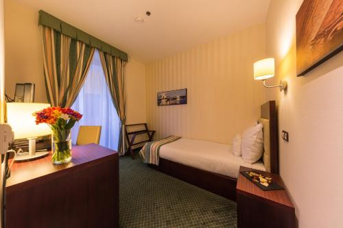 Hotel President photo 7