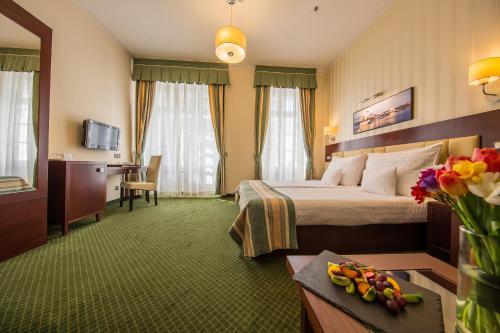 Hotel President photo 11