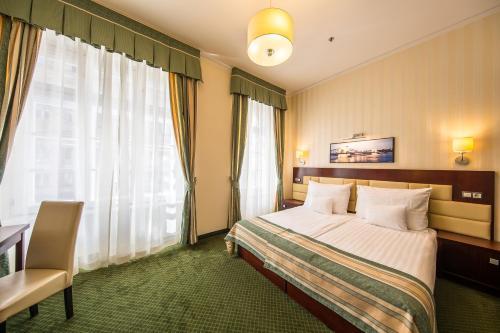 Hotel President photo 12