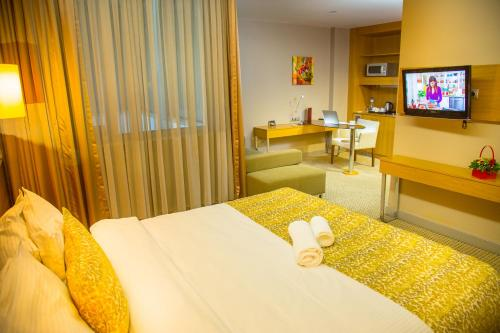1 King Bed, Executive Room Non-smoking (1 King Bed, Executive Room Nonsmoking )