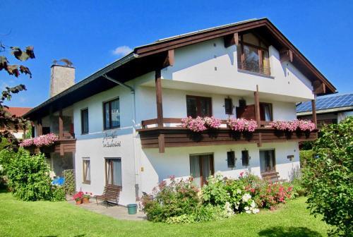 . Gästehaus Am Buchenbichl