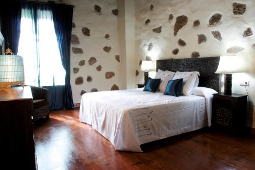 Double Room (2 Adults + 1 Child) Hotel Boutique Oasis Casa Vieja 10