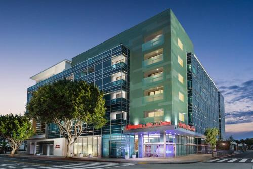 . Hampton Inn & Suites Santa Monica