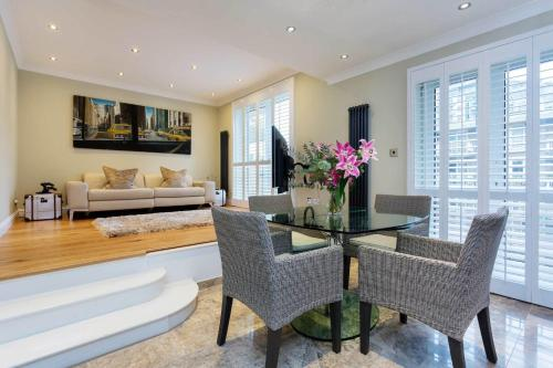 Veeve - Riverside Pad a London