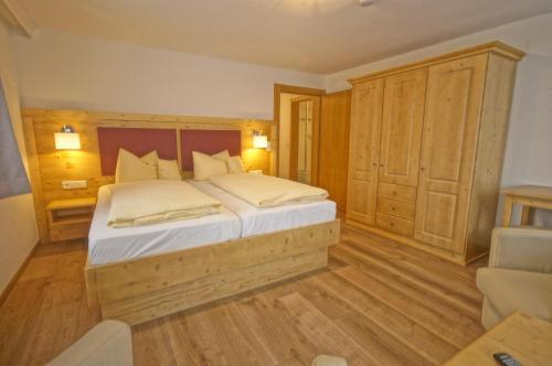 Landhotel und Apartments Sonneck - Accommodation - Feldberg