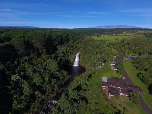 . The Inn at Kulaniapia Falls