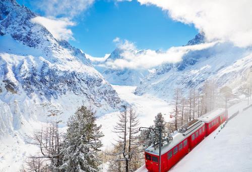 Le Montenvers – 74 400 Chamonix Mont-Blanc, France.
