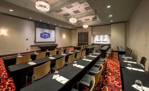 Hampton Inn & Suites Crabtree in Raleigh
