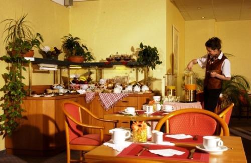 Andersen Hotel Birkenwerder - Photo 7 of 13