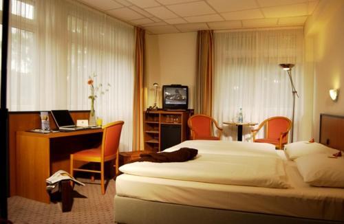 Andersen Hotel Birkenwerder - Photo 3 of 13