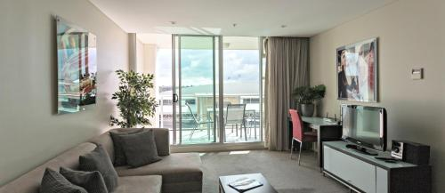 . Adelaide Dress Circle Apartments - North Terrace