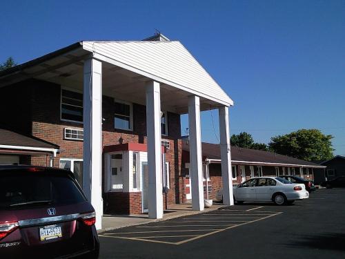 Colonial Inn Mercer-Grove City - Mercer, PA 16137