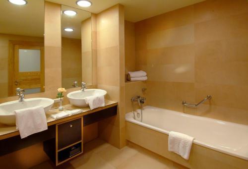 Adrián Hoteles Roca Nivaria room Valokuvat